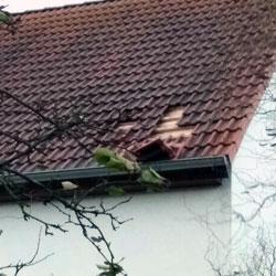 Sturmschaden am Dach